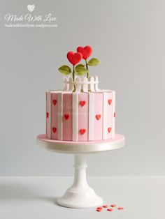 Single Tiered Cake – Made With Love (by me) Cake Decorating Frosting, Cake Decorating Designs, Creative Cake Decorating, Birthday Cake Decorating, Cake Decorating Techniques, Creative Cakes, Valentines Baking, Valentine Desserts, Valentine Cake
