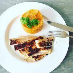 Nichts besonderes aber trotzdem lecker! -Nothing special but still so yummi! #dinner #abnehmen #fitnessfood #fitspo #fitfam #inspiration #motivation #foodblogger #foodblogger_de #wir2punkt0 #abgerechnetwirdamstrand #rezeptideen #lowcarb #healthy by mrshannah11