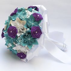 Origami Ball, Origami Paper, Paper Flower Art, Paper Flowers, Quilling, Button Bouquet, Origami Flowers, Bridesmaid Flowers, Flower Arrangements