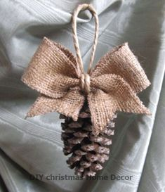 13 Easy DIY Christmas Ornaments For A Personalized Tree Decor - - Looking for some inexpensive DIY ornaments for your Christmas tree? Take a peek at my favorite list of easy DIY Christmas tree ornaments and be inspired! Natural Christmas Tree, Ribbon On Christmas Tree, White Christmas, Christmas Wreaths, Christmas Crafts, Thanksgiving Crafts, Scandinavian Christmas, Christmas Home, Diy Christmas Decorations For Home