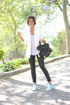 7 Street Style Outfits to Wear with Converse ... Casual Summer Outfits For Teens, Casual School Outfits, Hipster Outfits, New Outfits, Spring Fashion Outfits, Plaid Fashion, Kylie Jenner, Trendy Taste, Converse Sneakers