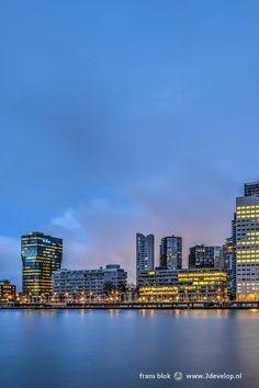 De Boompjes vormt de kade aan de Nieuwe Maas ter plaatse van het centrum van Rotterdam. De naam ontstond toen in 1615 een dubbele rij lindebomen langs de rivier werd geplant als onderdeel van de Waterstad, Rotterdam's eerste stadsuitbreiding. Sindsdien is de naam Boompjes in gebruik gebleven met uitzondering van een paar jaar tijdens de Franse tijd, toen het voor eventjes Quai Napoléon werd.