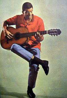Jorge Ben  Jorge Duílio Lima Meneses, conhecido como Jorge Ben e Jorge Ben Jor é um guitarrista, cantor e compositor brasileiro. Wikipédia Nascimento: 22 de março de 1945 (70 anos), Rio de Janeiro, Rio de Janeiro Nacionalidade: Brasileiro