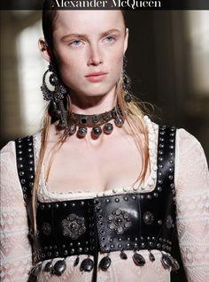 Alexander McQueen 2017 spring accessories