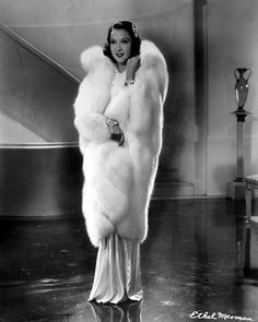 Ethel Merman - Though untrained in singing, she could belt out a song like quite… Hollywood Divas, Hooray For Hollywood, Old Hollywood Glamour, Hollywood Actor, Golden Age Of Hollywood, Hollywood Celebrities, Vintage Hollywood, Classic Hollywood, Ethel Merman
