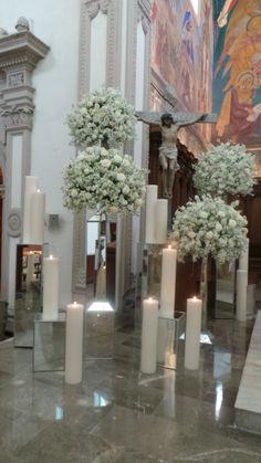 Church Wedding Decorations, Altar Decorations, Flower Decorations, Modern Floral Arrangements, Church Flower Arrangements, Aisle Flowers, Church Flowers, Wedding Bouquets, Wedding Flowers