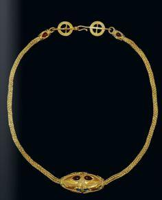 Roman gold necklace pendant, 3rd century A.D.