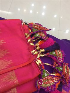 Embroidery On Kurtis, Kurti Embroidery Design, Blouse Styles, Blouse Designs, Saree Tassels Designs, Needle Tatting, Saree Collection, Indian Jewelry, Fashion Dresses