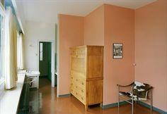 Home Le Corbusier designed and built for his parers. Fondation Le Corbusier - Villa Le Lac - Visite de la villa Le Lac