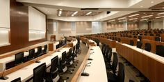 Which medical school has the nicest lecture hall? Auditorium Design, Lecture Theatre, Hall Furniture, Corporate Office Design, Timber Cladding, Hall Design, Amazing Buildings, Building Design, Office Interiors