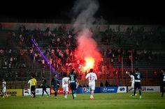 मिस्र में फुटबॉल मैच देखने के लिए दीवानगी की हद तक चाहत रखने वाले फुटबॉल प्रेमियों के स्टेडियम