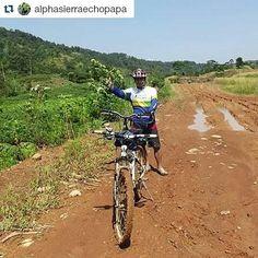 #Repost @alphasierraechopapa  dapet donat lagi.. mayan buat sarapan :D  Latepost: Berani kotor itu asyik... #mountainbike #mtb #sepedagunung #mainsepeda #bikelovers #bikeholic #pecintasepeda #sahabatsepeda #mybikemyadventure #petualangsepeda #pacificbikerider #pacificbikes #crosscountry #xc #hardtail #tranzline600 #tz600 #blusukan #offroad #maintanah #bike4fun #trekanaconda #puncak2 #hambalang #bogor