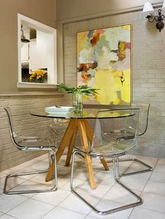 Clever And Genius Small Dining Room Design Ideas 08 Narrow Dining Tables, Glass Dining Table, Small Dining, Round Dining, Dining Area, Dining Corner, Glass Tables, Modern Apartment Decor, First Apartment Decorating