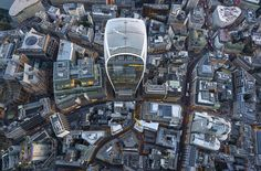 Jeffrey Milstein's Aerial Photographs of London In the space of just one hour, high-flying photographer Jeffrey Milstein captured a series of images of London from a helicopter. London Photos, London Art, New Architecture, London Landmarks, London Photography, Travel News, Birds Eye View, Aerial View, The Guardian