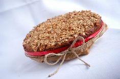 Keď som nedávno ochutnala fantastickú kokosovú bezlepkovú tortu z poctivých a zdravých surovín od kuchára Pepeho, spomenula som si na jeho skvelú rýchlovku – koláč bez múky a cukru. Ide o veľmi jednoduchý koláč, ktorý pečiem často, keď máme chuť na sladké, a keďže sa hodí aj na raňajky, zabijem tak dve muchy jednou ranou:) Recept som si trochu upravila a pretože má u mojich najbližších úspech, ponúkam ho aj...