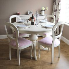 Impressive Shabby Chic Round Kitchen Table and Chairs Photos - Shabby Furniture . White Round Kitchen Table, Shabby Chic Kitchen Table, Cocina Shabby Chic, Small Kitchen Tables, Shabby Chic Table And Chairs, Dining Table Chairs, Shabby Chic Furniture, Dining Furniture, Shabby Chic Decor