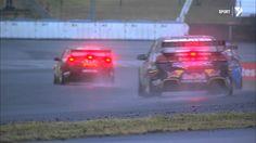 V8 Supercars liefern im Regen eine Driftshow deluxe ab