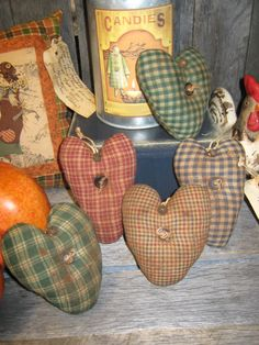 PRIMITIVE set of 5 HOMESPUN Fabric HEART Ornies / Ornaments / Bowl Fillers / Tucks / Folkart / Country. $14.95, via Etsy.
