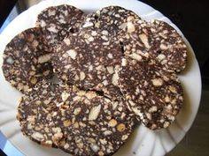Diós mazsolás keksz szalámi, a kedvenc édességünk lett!