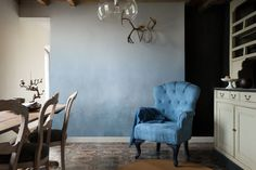 Dulux Colour of the Year 2017 - Mad About The House: Dulux Colour Futures: Clock Face, Borrowed Blue, Earl Blue, Denim Drift and Indigo Shade in paint effects. Interior Design Tips, Interior Inspiration, Denim Drift, 2017 Decor, Color Of The Year 2017, Mad About The House, World Of Interiors, Ideal Home, Coral
