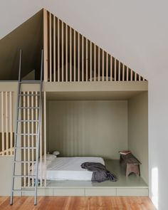 "Loft sleeping area at ""Green House"" apartment in Porto. - Home Page Design Case, Loft Design, House Design, Kids Bedroom, Bedroom Decor, Design Bedroom, Kids Rooms, Sleeping Pods, Interior Architecture"