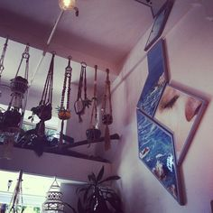 A quirky approach to vintage shopping. http://www.ohnonotno.com