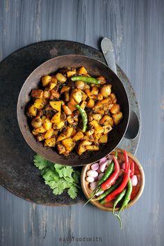 KARELA CHHILKA AUR ALU - Potatoes & Bitter Gourd peels Stir Fry #karelaalustirfry