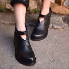 Cheap women shoes, Buy Quality women's shoes handmade directly from China genuine leather shoes Suppliers: 2017 Genuine Leather Shoes Spring Leisure Comfortable Soft Bottom Women Shoes Handmade Mother Shoes 66503-5