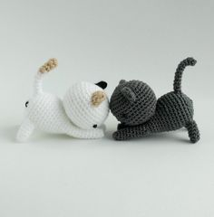 FB - LC - NA - 12 Free - Playing Cats - 0617
