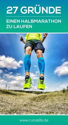 """Der Halbmarathon: Der """"kleine Bruder"""" des Marathons ist mit seinen 21,1Kilometern schon lange eine beliebte Wettkampfdistanz und zieht tausende Menschen in seinen Bann. Auch uns hat die Faszination Halbmarathon gepackt. Man kann sagen: Wir lieben Halbmarathon. Und wir wollen, das auch du ihn lieben wirst. Wie das geht fragst du dich? Ganz einfach: Mit dieser Anleitung und diesen """"27 Gründen einen Halbmarathon zu laufen"""": www.runskills.de"""