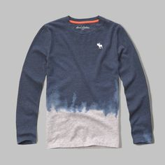 supersoft with cool tie dye, featuring a crewneck, contrast interior neck taping and an icon at left chest, classic fit, imported<br><br>60% cotton/ 40% polyester
