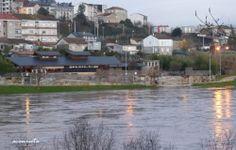 Termas de Chavasqueira. Vista del termo-lúdico y de la pozas de la ribera del río, anegadas por la crecida del Miño