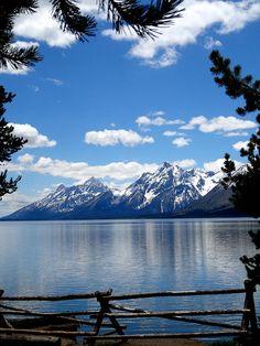 ✯ Mountain Reflection