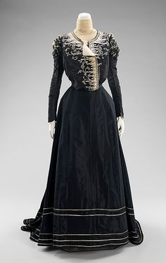 Afternoon dress M. Davey & Company (American) Date: 1898–1900 Culture: American Medium: silk Dimensions: Length at CB (a): 18 in. (45.7 cm) Length at CB (b): 50 in. (127 cm) Credit Line: Brooklyn Museum Costume Collection at The Metropolitan Museum of Art, Gift of the Brooklyn Museum, 2009; Gift of Mrs. Frederick H. Prince, Jr., 1967 Accession Number: 2009.300.907a, b
