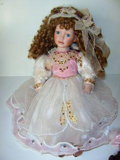 Set of 2 Porcelian Dolls