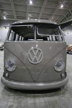 ◆ Visit ~ MACHINE Shop Café ◆ (Volkswagen Split-window Kombi)