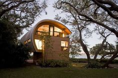Curvaceous Cabin to feast your eyes on