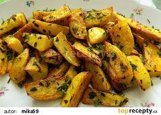 Pečené medvědí brambory recept - TopRecepty.cz Sweet Potato, Potato Salad, Carrots, Potatoes, Vegetables, Ethnic Recipes, Food, Red Peppers, Potato