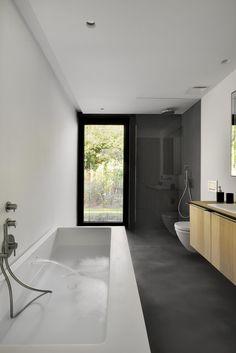 Badezimmer Modern Graue Fliesen Dusche Glas Badewanne Konsole | Badezimmer  | Pinterest | Graue Fliesen, Haus Design Und Traumhäuser