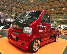 WTF Wednesday: Japanese mini trucks (49 Photos) Suzuki Every, Kei Car, Mini Trucks, Top Cars, Small Cars, Hot Wheels, Cars And Motorcycles, Race Cars, Tractors