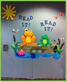 Read it!Read it! frogs are ready! This would be a neat addition for the frog theme classroom. You could even turn it into a bulletin board or door decoration! Frog Bulletin Boards, Reading Bulletin Boards, Spring Bulletin Boards, Preschool Bulletin Boards, Library Themes, Library Book Displays, Library Ideas, Frog Theme Classroom, Classroom Door