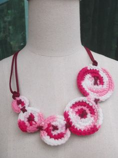 Pink & White Circles Crochet necklace