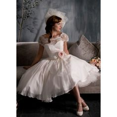 Vintage Ballgown Chiffon Tea Length Short Sleeves Appliques And Flower Wedding Dress Wedding Dresses