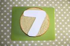 How to make a number 7 cake