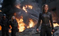 There's not long till The Hunger Games #MockingjayPart1 hits theatres...  To celebrate, get your final look at the film!