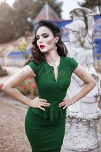 Vintage Chic Cap Sleeve Peplum Pencil Dress in Green 100 40 19601 20160928 1950s Fashion Women, Retro Fashion, Girl Fashion, Vintage Fashion, Fashion Outfits, Classy Dress, Classy Outfits, Stylish Outfits, 1950s Style