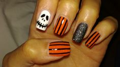 Halloween nail art skittlette - Colors used: Opi Alpine Snow, Lacquerhead Sugar High, Nicole by Opi A Nice Treat, Fantasy Makers Black