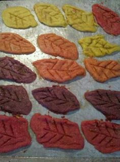 easy fall leaf sugar cookies from CampClem blog