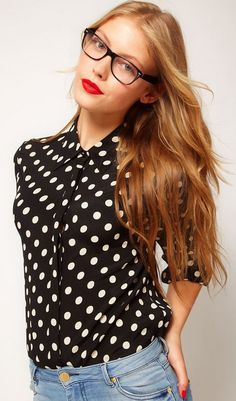 Polka dot top, light colored jeans, black frames & red lips