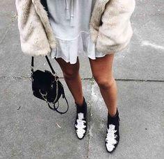 21 Exceptional New York Street Fashion - Moda City 2021 Estilo Hippie Chic, Mode Ootd, Fashion Killa, Fashion Trends, Fashion Bloggers, Vogue, Fashion Looks, Inspiration Mode, Dolce & Gabbana